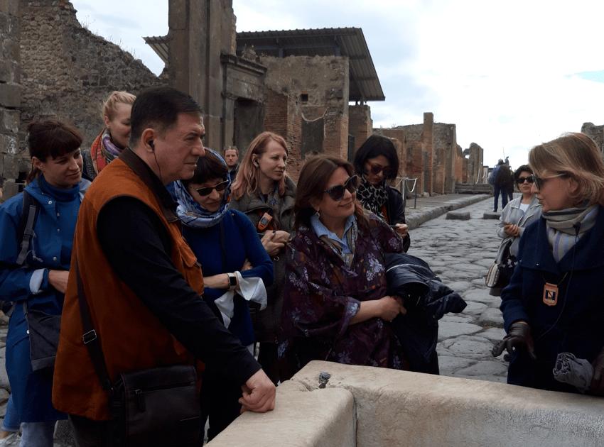 Женя в Помпеяъ
